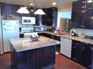 Air-B-B-Cottonwood-AZ-kitchen