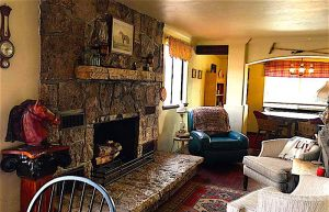 AirBnB-Cottonwood-AZ-fireplace