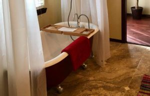 AirBnB-Cottonwood-AZ-shared-bath