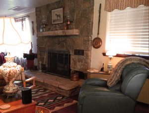 Cottonwood-Arizona-Air-BB-fireplace