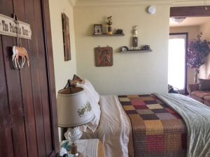 palomino-room-cottonwood-airbnb